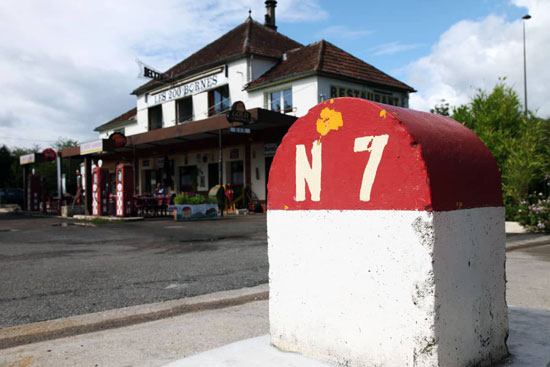 Nationale 7, le Relais des 200 Bornes