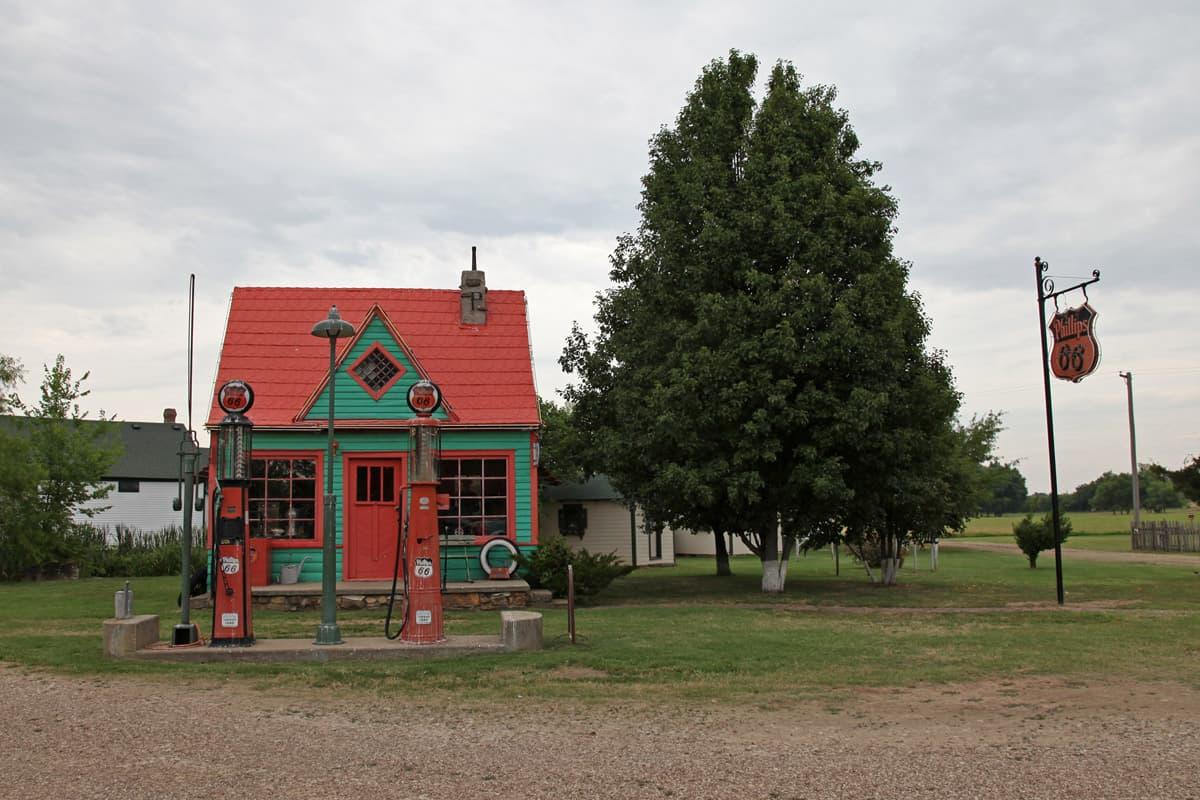 Red Oak 2, Station service de la Route 66